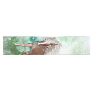 Caminho De Mesa Pequeno Cavalo bonito no país das maravilhas