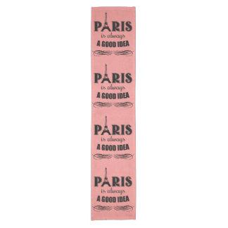Caminho De Mesa Pequeno Paris é sempre uma boa ideia