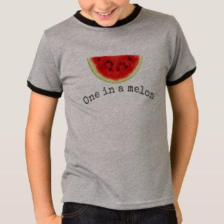 Camisa 2 da melancia do verão de um melão do miúdo