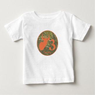 Camisa alaranjada do aniversário da camuflagem da