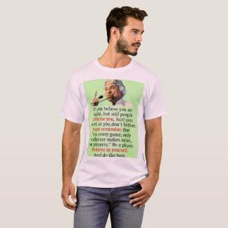 Camisa básica do T dos homens