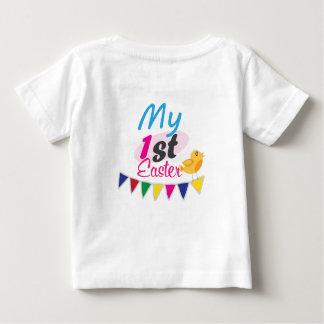 Camisa bonito do bebê da páscoa