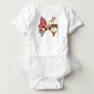 Camisa bonito do cone do sorvete do Pug