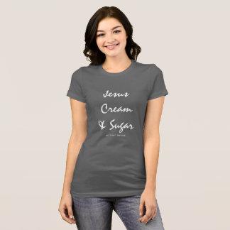 Camisa cinzenta de Jesus e de café