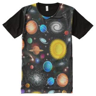 Camisa colorida do espaço da astronomia