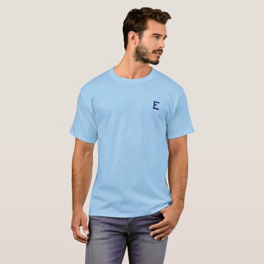 Camisa confortável e simples.