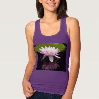 Camisa cor-de-rosa de Lotus Waterlily T