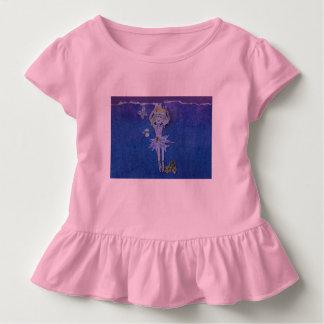 Camisa cor-de-rosa ruffled doce com dança do
