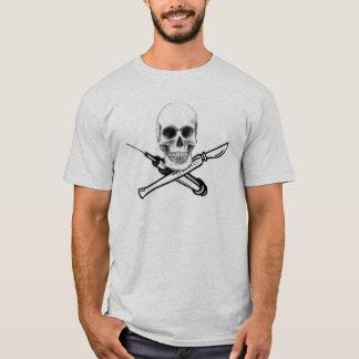Camisa da cor clara do crânio e da seringa de UNMC