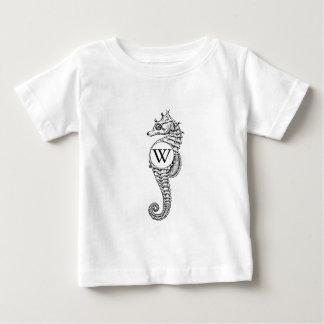 Camisa da inicial do esboço do cavalo marinho