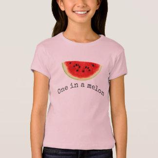 Camisa da melancia do verão de um melão da menina