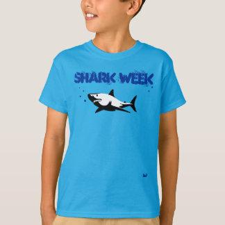 Camisa da semana do tubarão dos miúdos