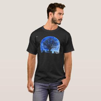 Camisa da silhueta da árvore da lua azul (preto)