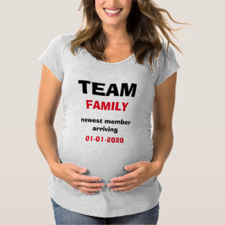 Camisa de maternidade da equipe T do anúncio da