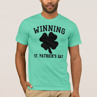 Camisa de vencimento do dia de Paddys do santo