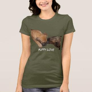 Camisa do amor de filhote de cachorro