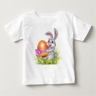 Camisa do bebê do coelhinho da Páscoa