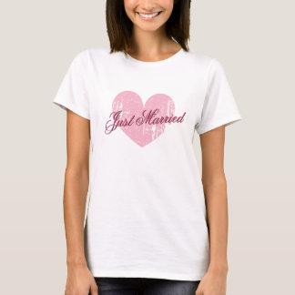 Camisa do coração t do recem casados para a noiva