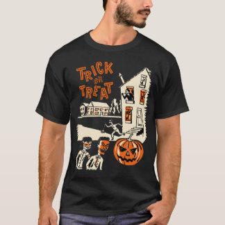 Camisa do Dia das Bruxas dos anos 60 da doçura ou