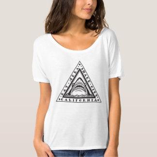 Camisa do emblema do tubarão de Califórnia da área