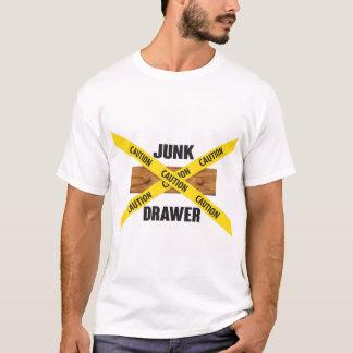 Camisa do logotipo da gaveta da sucata