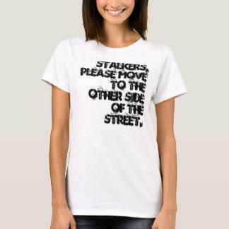 Camisa do pedido do assediador
