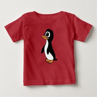 Camisa do pinguim dos desenhos animados