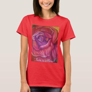Camisa do T da mulher com impressão do rosa das