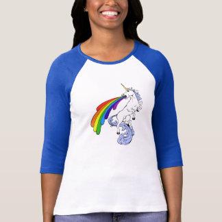 Camisa do unicórnio do arco-íris