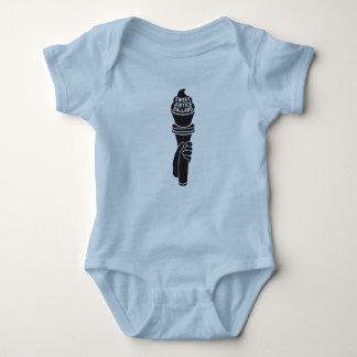 Camisa doce do bebê de justiça