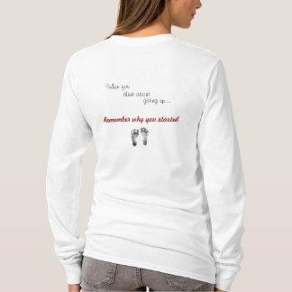 Camisa dos cuidados do estudante