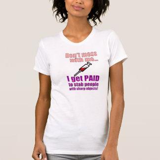 Camisa engraçada da enfermeira das mulheres camisetas
