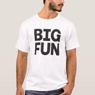 Camisa grande do divertimento