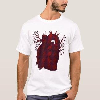 Camisa humana escura do coração