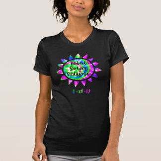Camisa impressionante do eclipse solar do total da