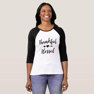 Camisa inspirada grata e abençoada