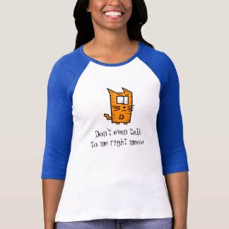 Camisa irritada do gatinho