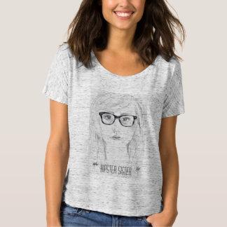 Camisa legal do retrato da irmã do hipster
