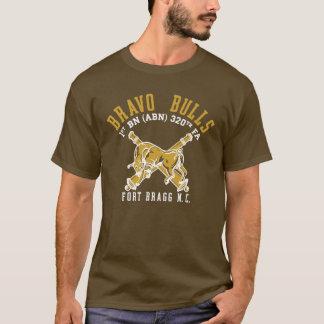 Camisa marrom da pinta dos touros do bravo