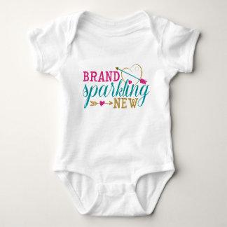 Camisa nova Sparkling do bebê da marca