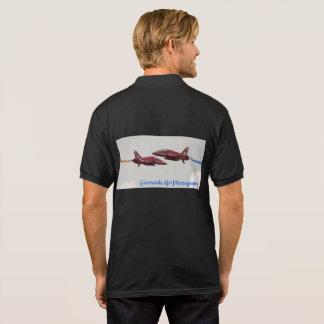 Camisa Polo passando a onda