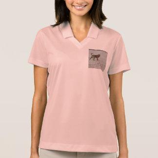 Camisa Polo pei shar na praia
