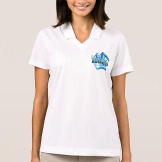 Camisa Polo Tomando do pólo branco de mulheres de negócio