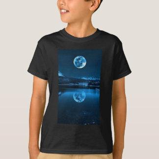 Camisa preta com scape da lua