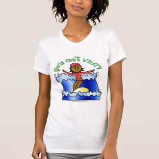 Camisas escuras do surfista T da menina