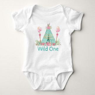 Camisas selvagens de um aniversário das meninas