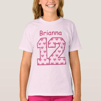 Camiseta 12o Nome feito sob encomenda V025BN dos corações