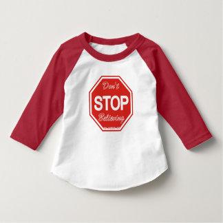 Camiseta 3/4 de luva não para de acreditar o t-shirt das