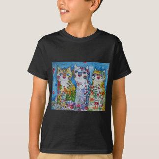 Camiseta 3 gatos felizes