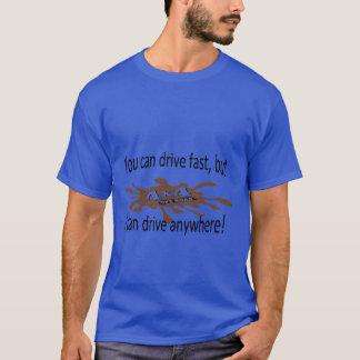 Camiseta 4x4 fora da movimentação da estrada em qualquer